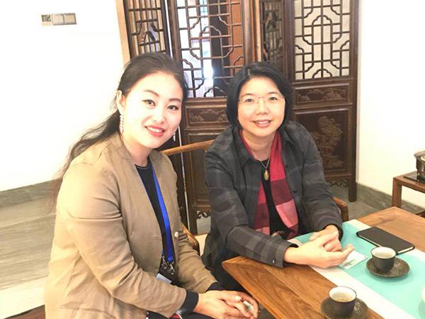 凤凰栖董事长与无锡副市长刘霞合影