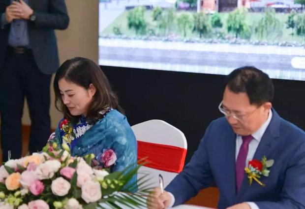 单仁老师与凤凰栖签约合作,正式成为凤凰栖的股东