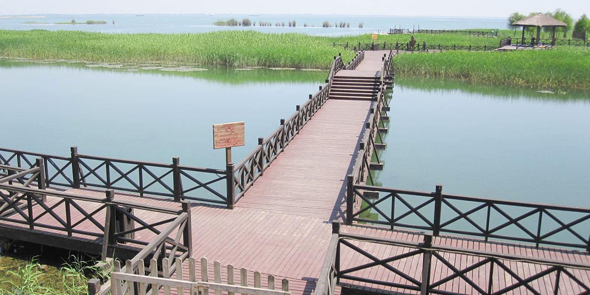 苏州环太湖公园木结构栈道